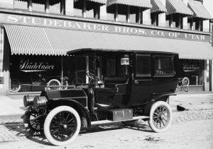 سيارة ليموزين قيدمة 1908